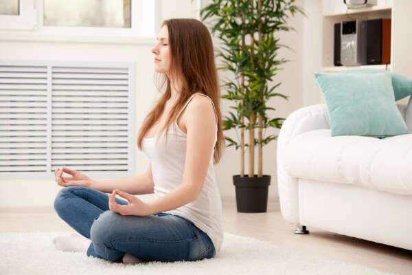 Медитировать (от 5 раз в нед в теч 2 месяцев)