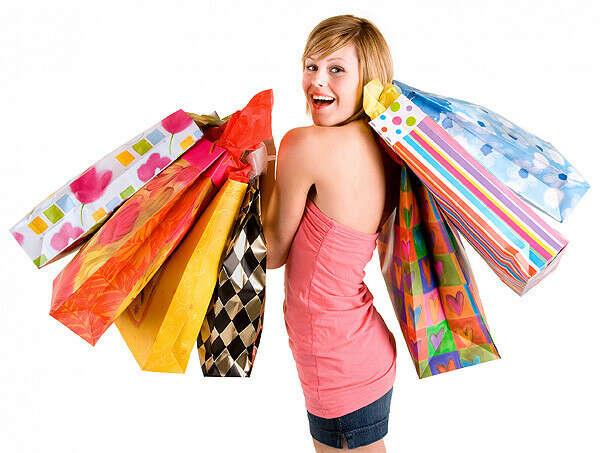 Позволить себе крутой шоппинг и полный шкаф новых вещей