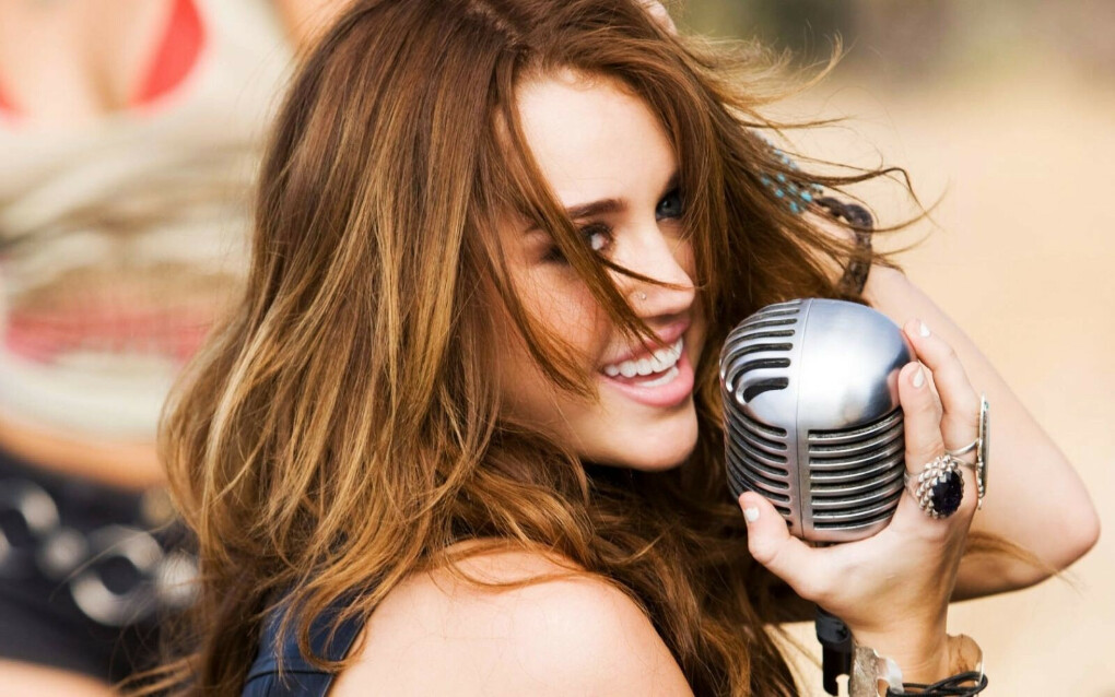 Хочу научиться петь)))