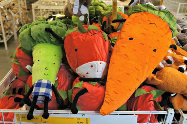 Плюшевые овощи из Икеи