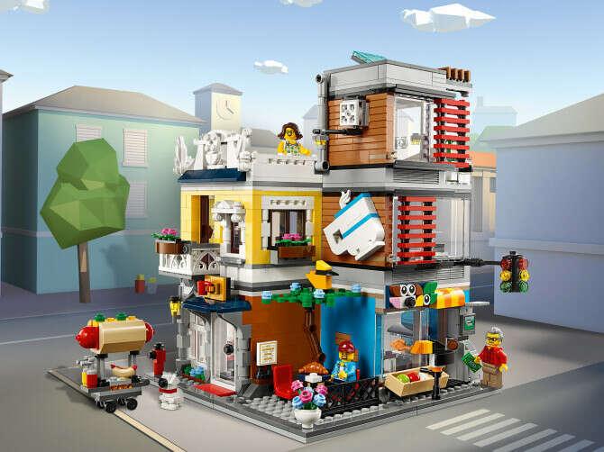 Конструктор Creator (Креатор) 31097 Зоомагазин и кафе в центре города LEGO® (ЛЕГО) - купить в Сети сертифицированных магазинов LEGO, Москва