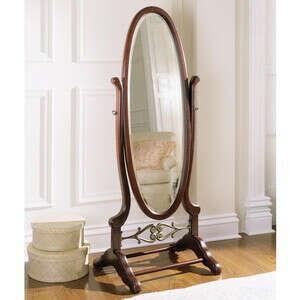 Напольное зеркало на ножках