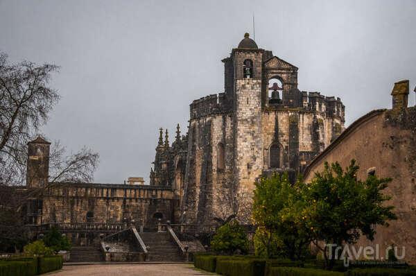 Посетить Конвенту-де-Кришту - монастырь Томар