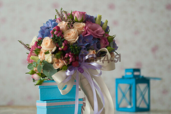 Отправить букет цветов любимой подруге