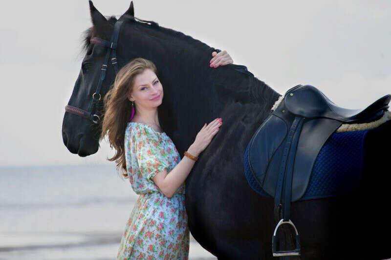 Красивую фотосессию с лошадью
