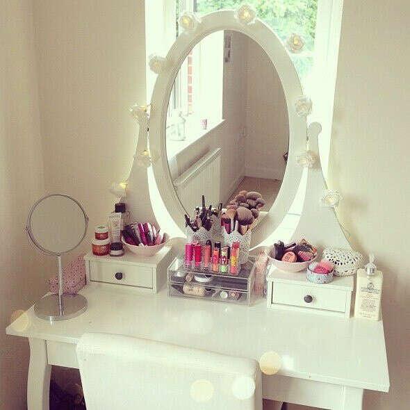 Хочу красивый туалетный столик))