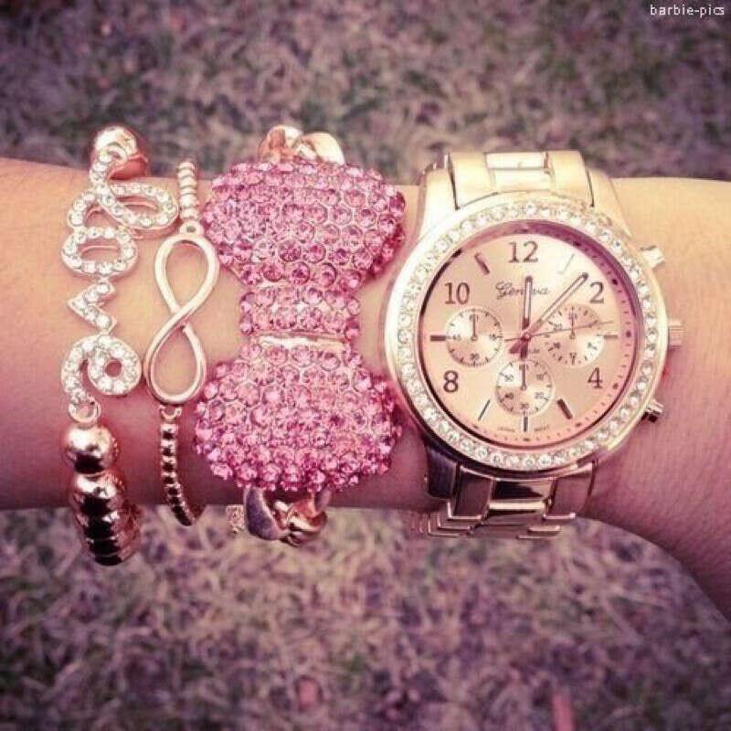 Розово-золотые часы