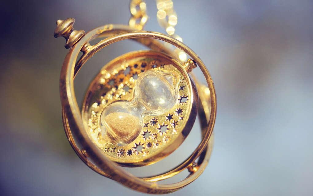 Кулон - песочные часы