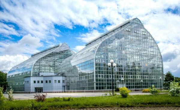 Посетить новую фондовую оранжерею ботанического сада