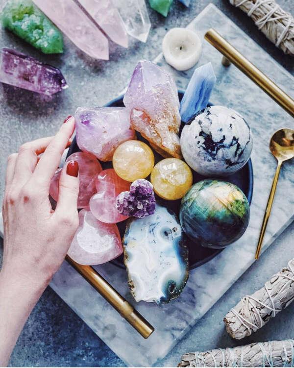Кристаллы и камушки