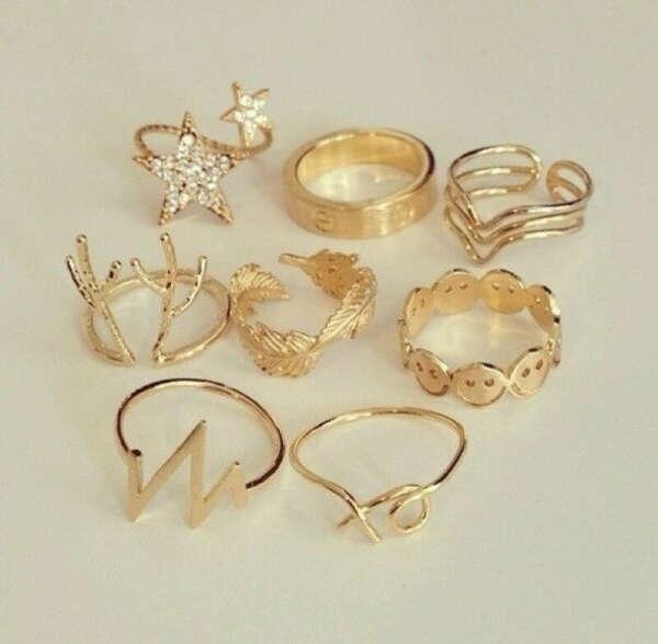 Необычное изящное кольцо