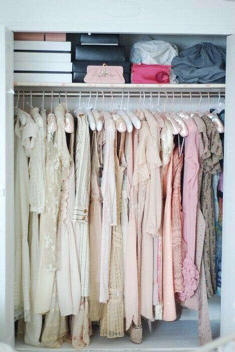 Несколько летних платьев