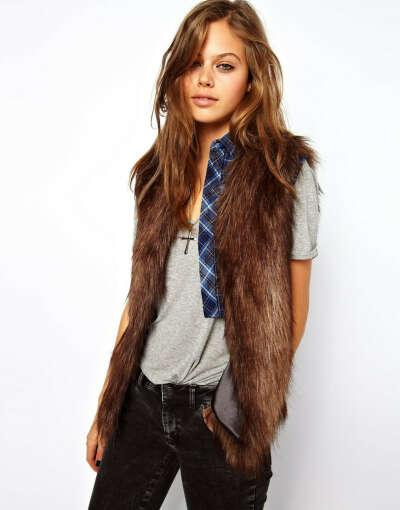 Жилет Unreal Fur