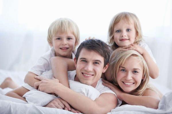 Счастливую, дружную семью