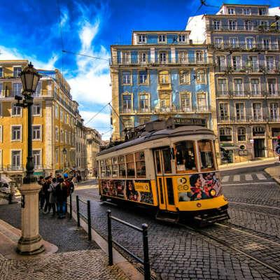 Посетить Португалию