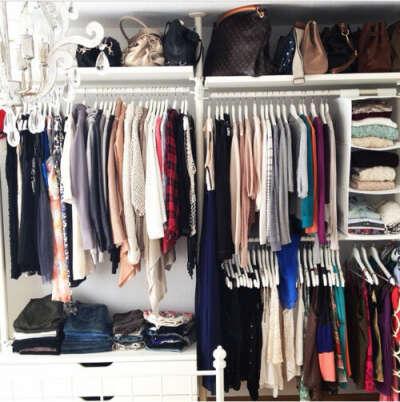 Удобный шкаф купе для всей одежды)