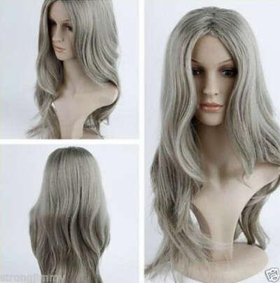 Длинный серый парик с пробором