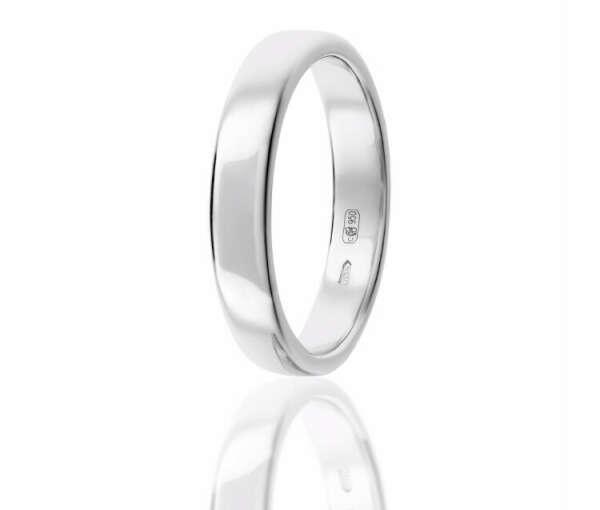 Широкое обручальное кольцо из платины