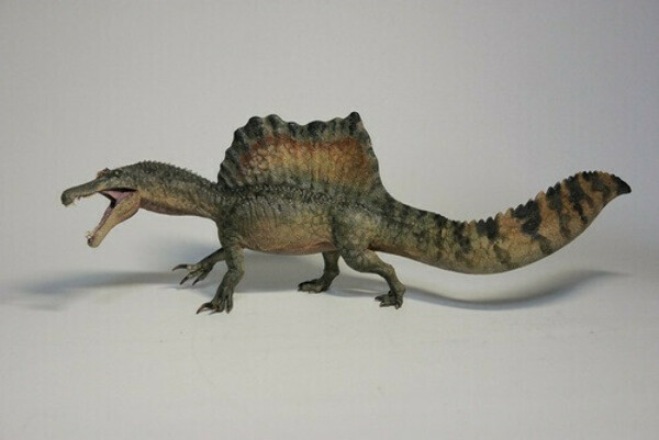 Spinosaurus by GR Toys