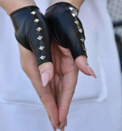 Перчатки на большой палец @la_gloves
