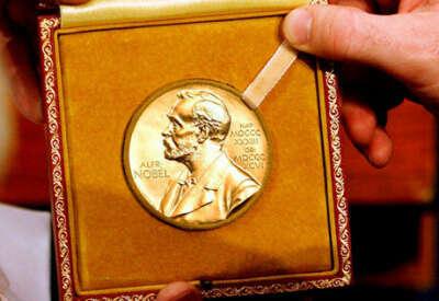 хочу заслуженно получить нобелевскую премию)