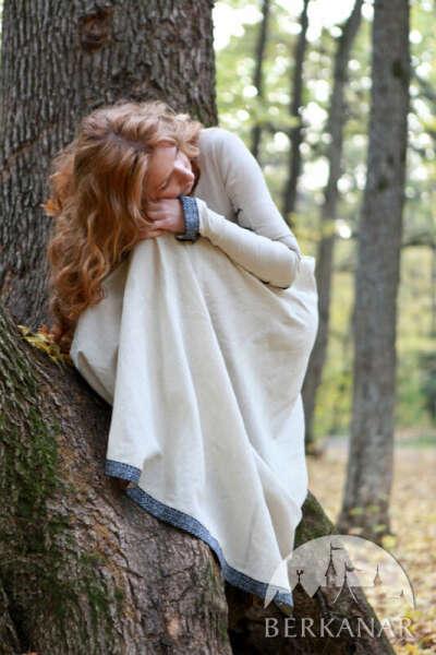 Средневековое льняное платье «Прекрасная Дженет»