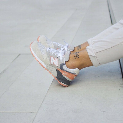 Кроссовки New Balance светлые