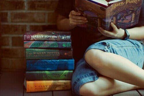 все семь книг о Гарри Поттере:З