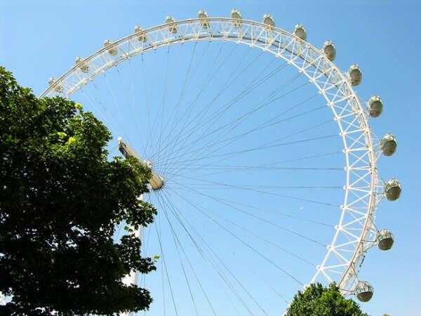 Прокатиться на колесе обозрения в Лондоне