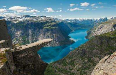 Добраться до Языка Тролля в Норвегии