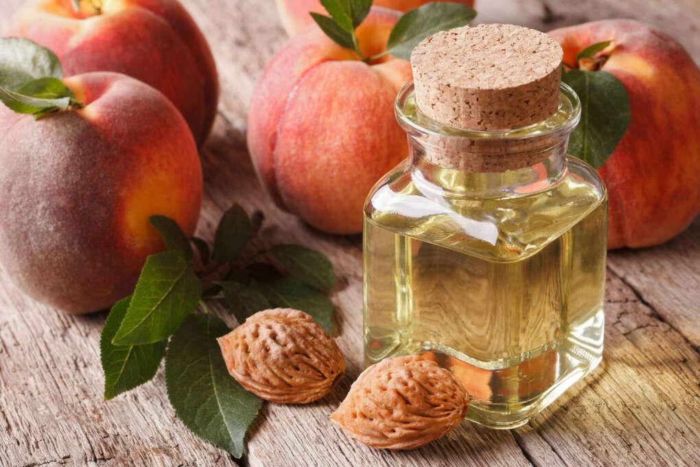 Масло из косточек персика для ресниц и бровей