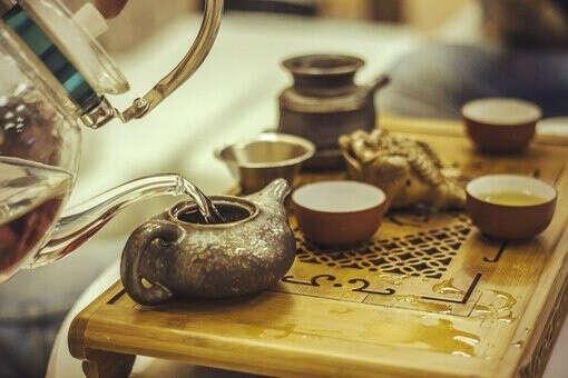 Много разного чая