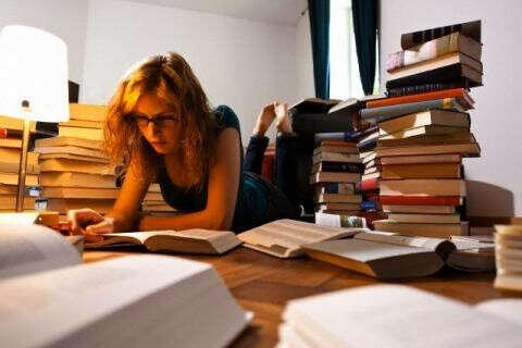 Прочитать 6 книг по саморазвитию  (минимум)