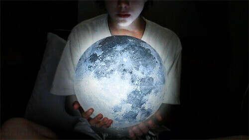 Лунный светильник