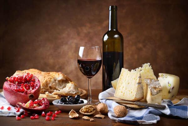 Сыр и вино:)