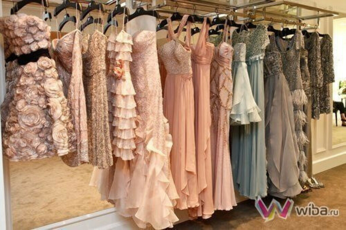 Много много платьев