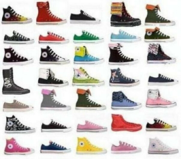 Много обуви.