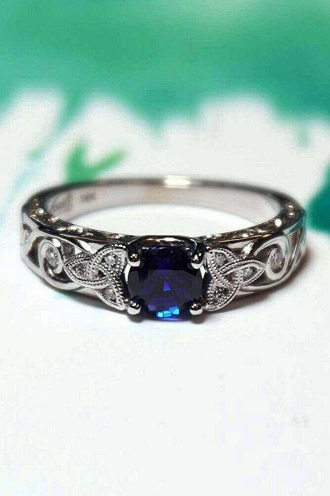 Silver Celtic Knot Blue Round Diamond