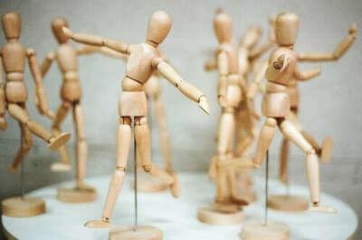 Деревянная модель человека