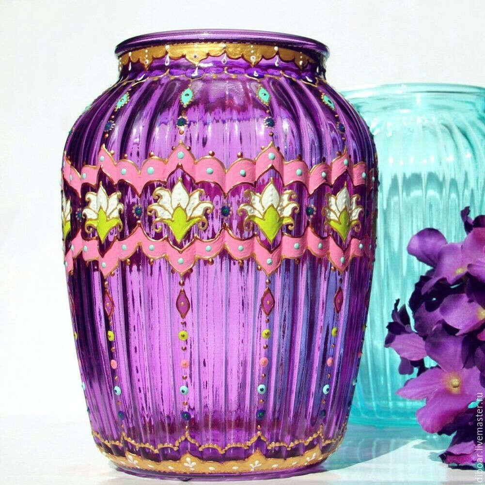 Необычную вазу