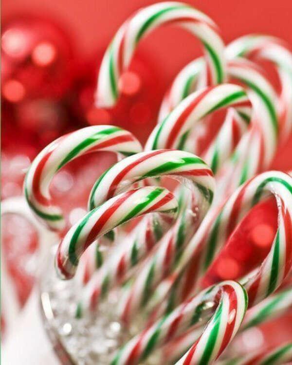 Мятные рождественские леденцы-трости