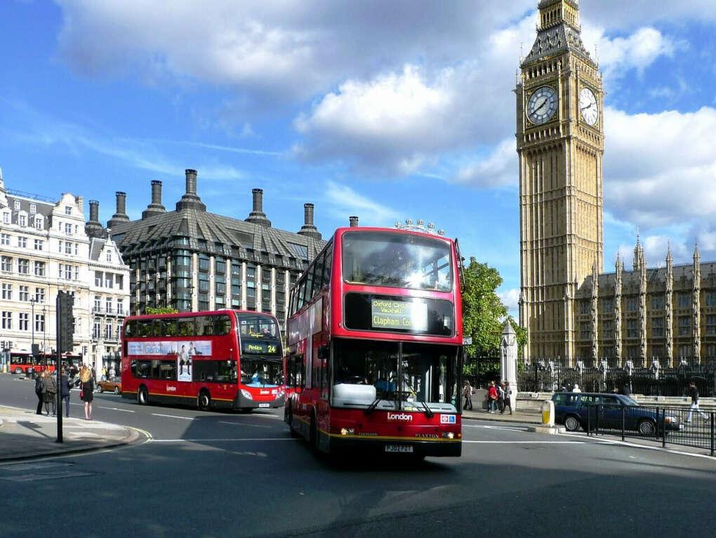 Поехать в Лондон:D