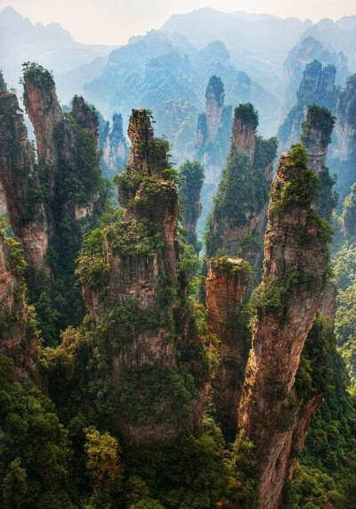 Чжанцзяцзе. Горы Аватара (Улинъюань), China