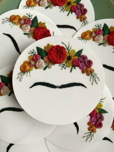 Наклейка с бровками Фриды Кало