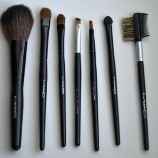 Набор кистей для макияжа MAC 7 штук