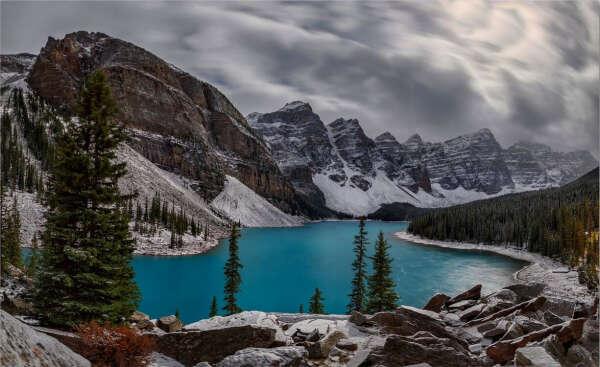 Посетить ледниковое озеро Морейн Канада