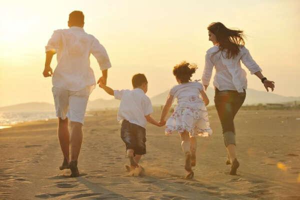 Создать дружную и счастливую семью