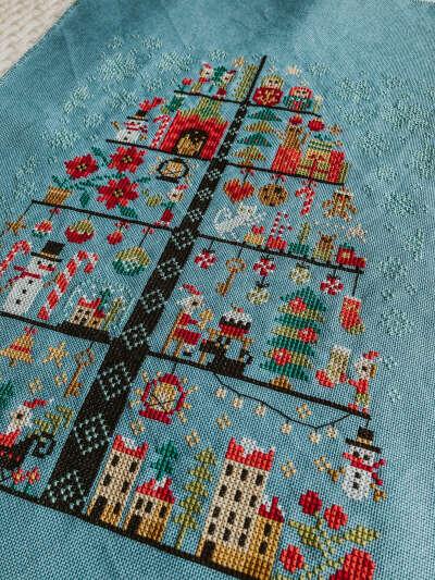 Набор для вышивки Новогоднее дерево от Barbara Ana