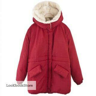 Красная куртка с меховой подкладкой