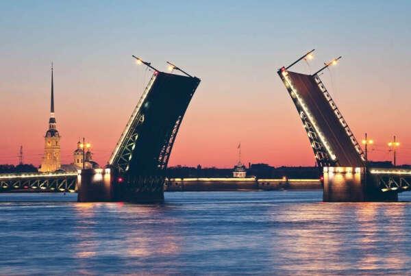 Съездить в Санкт-Петербург